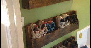 This is just one of the many ways you can repurpose an old pallet! How would you...