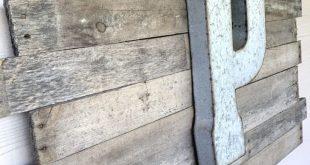 DIY Pallet Sign -