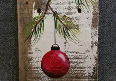 Rot Weihnachten Dekoration, Weihnachtsgeschenk, Tannenzweig mit rot-Birne, von Hand bemalt Reclaimed Altholz, Weihnachts-Dekor
