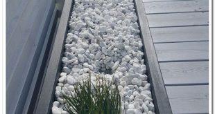 33 small backyard landscaping ideas 00060