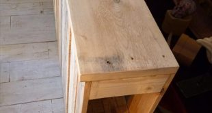 Build a Pallet Headboard – Pallet Wood Tutorial