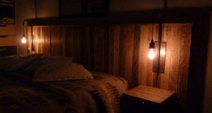 Pallet Bed Headboard With Lights / Tête De Lit En Palettes Et Appliques
