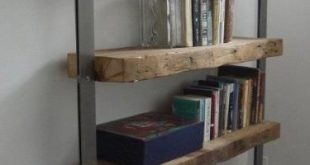 Regeneriertes Bücherregal aus Holzbalken & Stahl - #amp #aus #Bücherregal #hol...