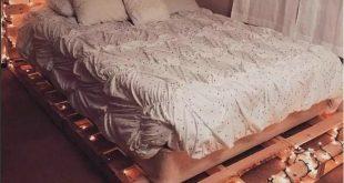 20+ Amazing Pallet Bedroom Design Ideas #amazingbedroom #bedroomdesign #bedroomi...