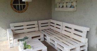 Lounge Bank Paletten 240x200cm weiß: Gartenmöbel von Paletten - Marchelle van der Made