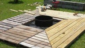 Pallet fire pit deck