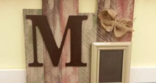 Pallet wood sign and frame , vintage, personalized family photo display for home...