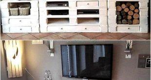 Wie Sie sehen, bietet der wiederaufbereitete Palettenmedienschrank aus Holz viele